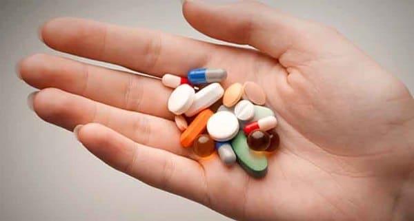 Tác dụng phụ ngoài ý muốn của thuốc cũng là nguyên nhân gây ra bệnh mề đay