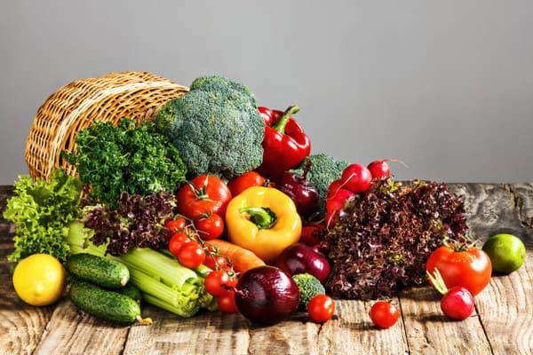 Rau củ quả là nguồn thực phẩm rất giàu vitamin cần thiết cho người bệnh mề đay