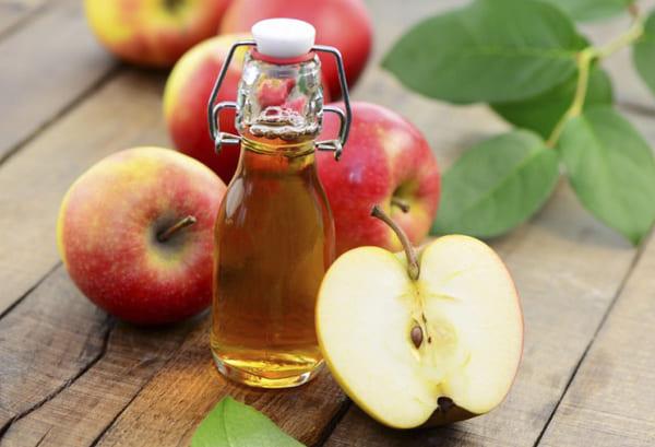 Sử dụng giấm táo điều trị vảy nến da đầu