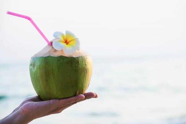 Nước dừa còn giúp thanh lọc máu trong cơ thể