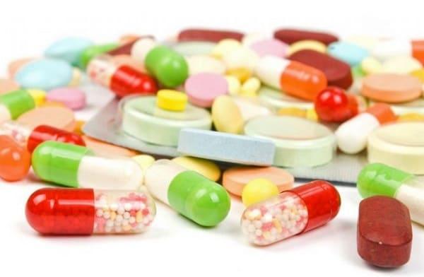 Thuốc uống giúp điều trị nhanh chóng nhưng dễ để lại tác dụng phụ