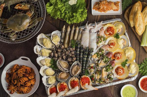 Hải sản và những thực phẩm giàu đạm là nguồn gốc của những cơn ngứa kéo dài